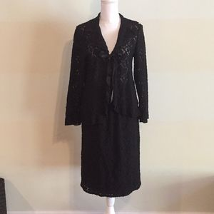 Maternity black lace skirt suit. Size M